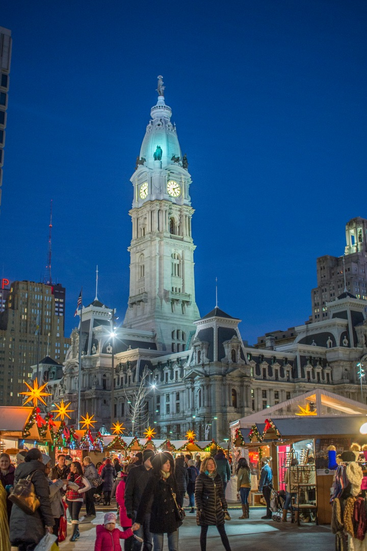 ChristmasVillage_PHL_Nightshot_Credit_DaveLakatos